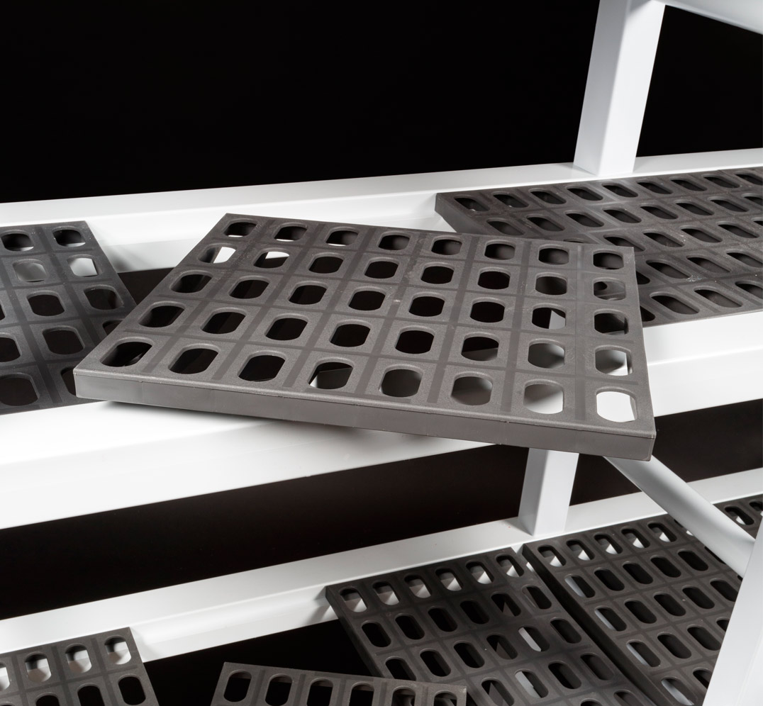 Drilled plates shelving modular system