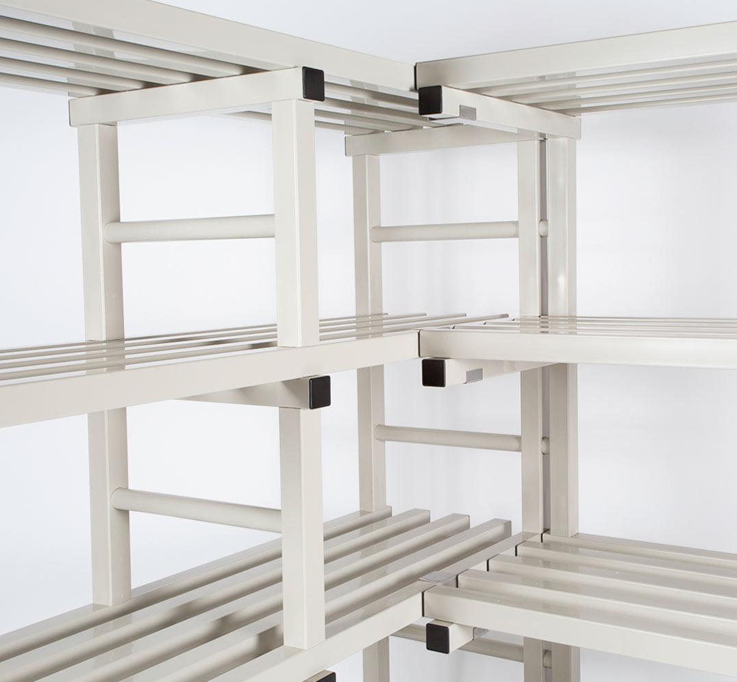 Corner Rack in PVC plastic